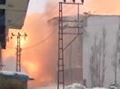 Yüksekova'da bir binada meydana gelen patlama böyle görüntülendi