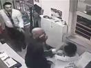 Erdoğan Bayraktar güvenlik görevlisini dövdü