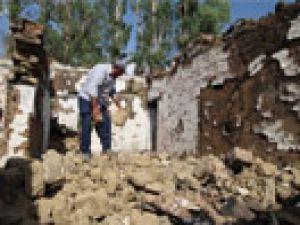 Yüksekova'da yaşayan Danış ailesinin evleri ikinci kez yıkıldı
