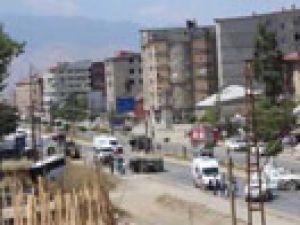 Yüksekova'da zırhlı araçlar kaza yaptı: 1 polis hayatını kaybetti