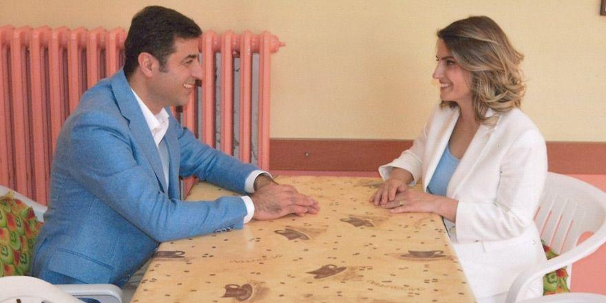 Başak Demirtaş'tan 'düğün' videosu