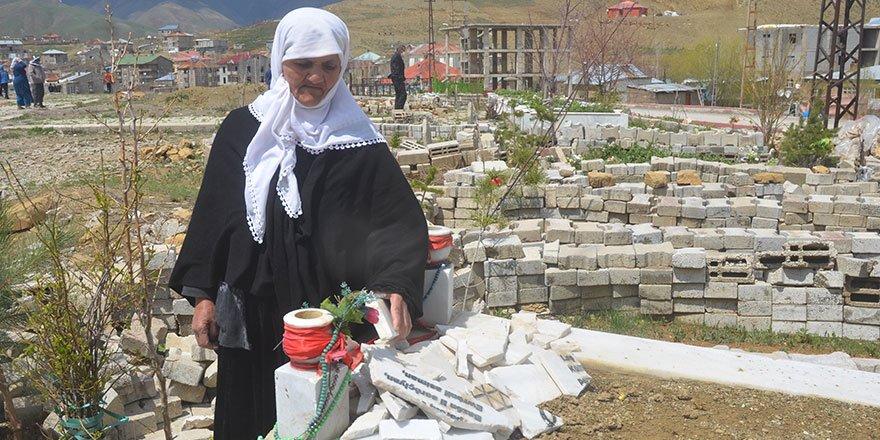 Yüksekova'da aynı mezarlık 7'nci kez tahrip edildi