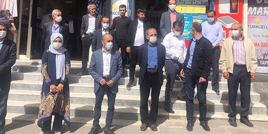 Hakkari ve Şemdinli HDP'den kayyumlara tepki