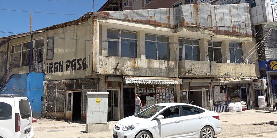 Yüksekova'daki İran Pasajı yeni yerine taşınıyor