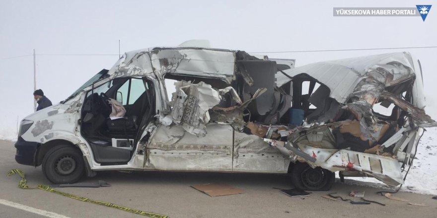 Yüksekova'da trafik kazası: 4 ölü, 6 yaralı