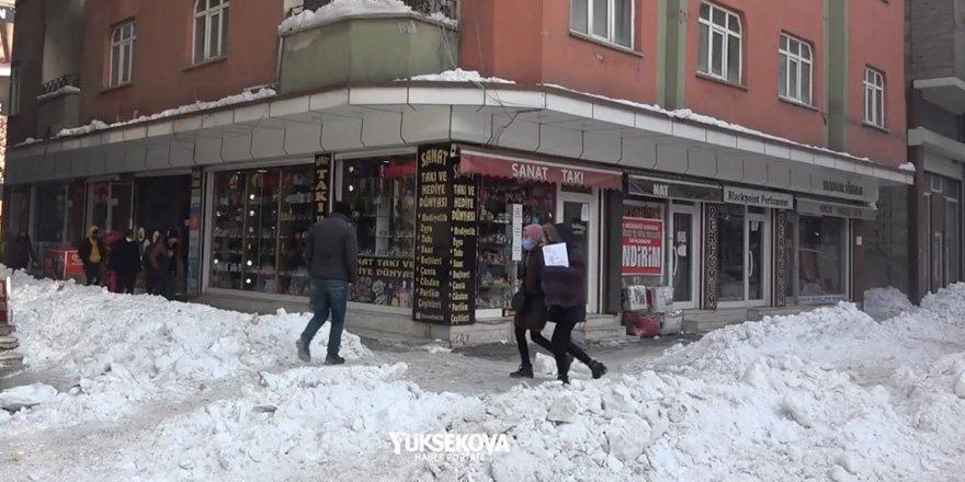 Yüksekova'da bir mülk sahibi 2 aylık kira indirimi yaptı